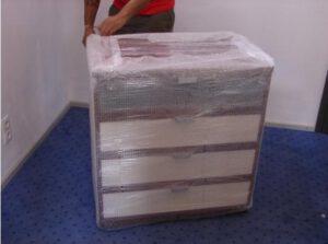 Stěhování do Španělska - balení nábytku